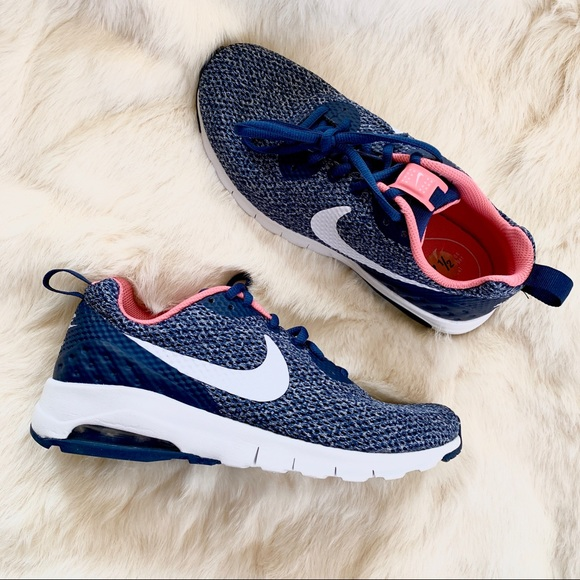 cf99f72ffd37b9 New Women s Nike Air Max Motion Navy Blue Pink